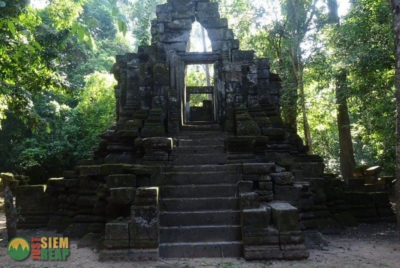 East Prasat Top Temple Guide