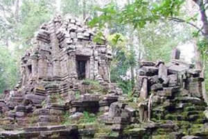 Prasat Top West