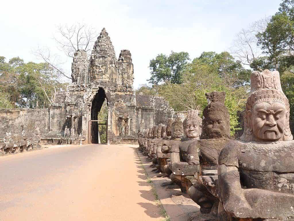 Angkor Thom Tour