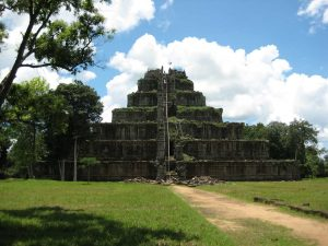 Beng Mealea and Koh Ker Temple Tour